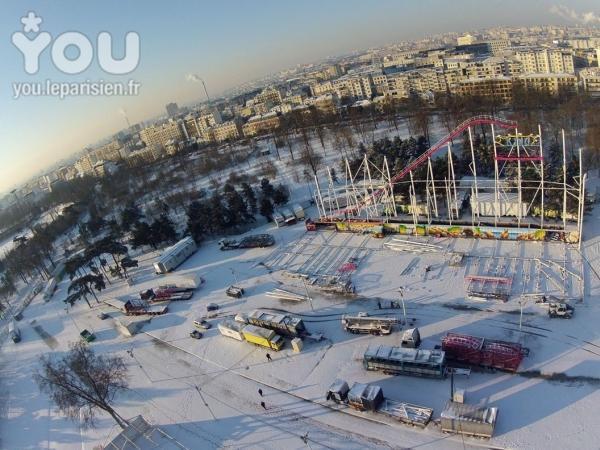 première photo montage de la foire du trone 2013 ( sous la neige ) ...