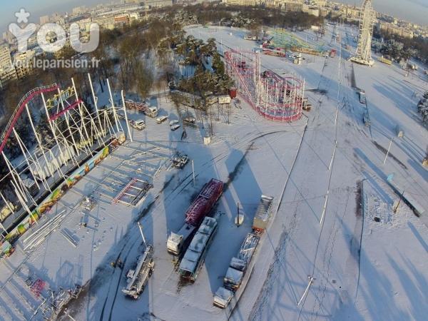 les première photo montage de la foire du trone 2013 ( sous la neige ) ...