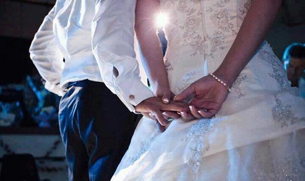Mamzelle AliyAaà : Pas besoin de docteur love pour savoir que le Premiere amour ne soublie pas , et que le grand amour n'existe pas