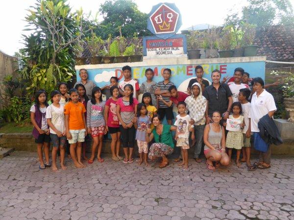AVRIL 2015 - Orphelinat de Klungkung