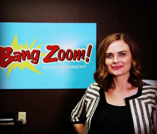 Emily pour Bang Zoom ! Enterainment
