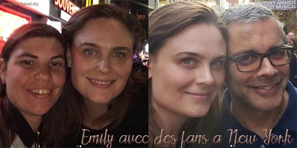 Emily avec des fans à New York