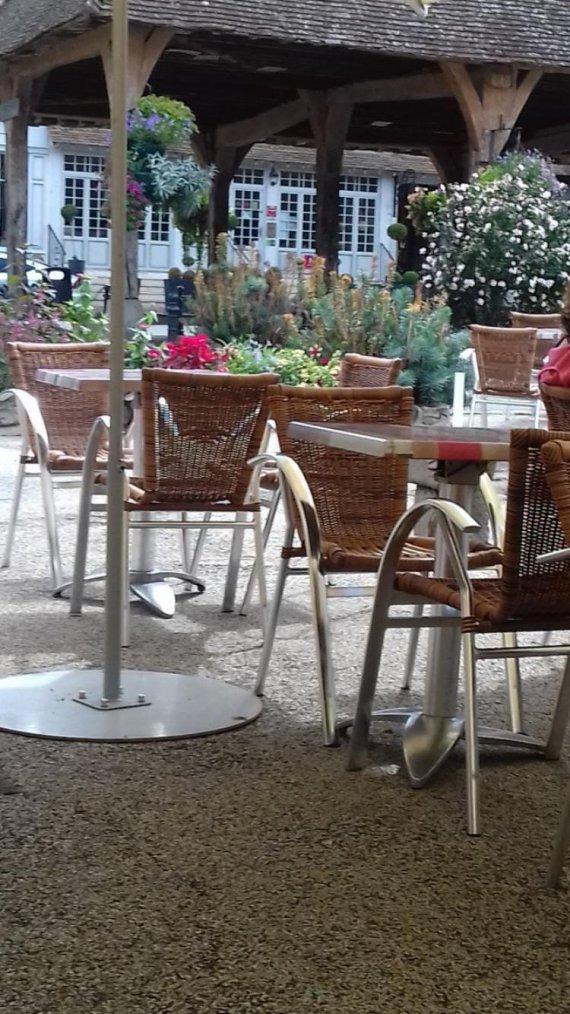 BONJOUR  MES  AMIS   JOURNEE   DU   JEUDI  24   AOUT   2017   ....C EST    LA  ST  BARTHELEMY........PAS  DE MASSACRE   RESTONS   AMIS ....LOL