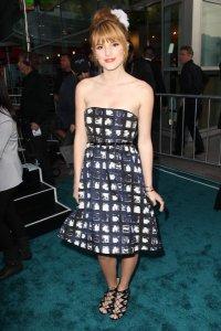 #Critique 6 : Bella Thorne
