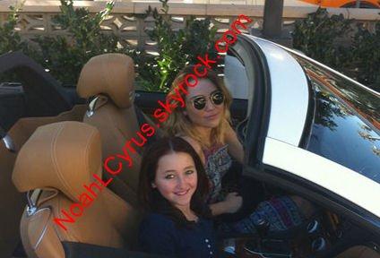 Noah fait du shopping avec Miley !