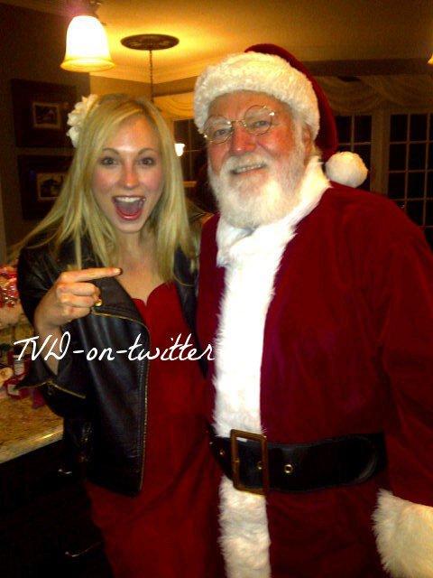 C'est Noël avec... Candice Accola 25.12.2010