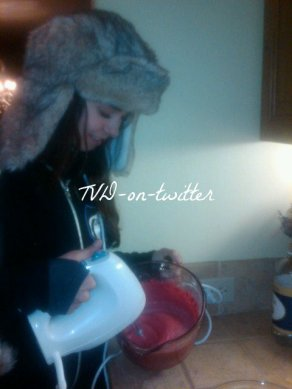 C'est Noël avec... Nina Dobrev 24 / 25 / 27 .12.2010