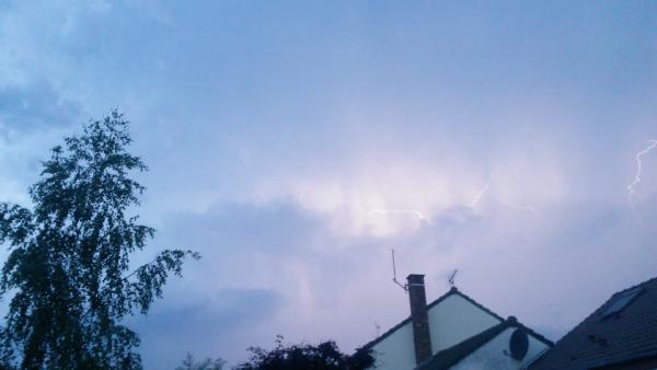 photo  de ma 2 ème  chasse à l'orage  (il y en aura d'autres)