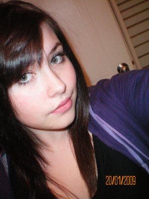 Femme cheveux noir et yeux bleu coloration des cheveux moderne - Fille yeux bleu ...