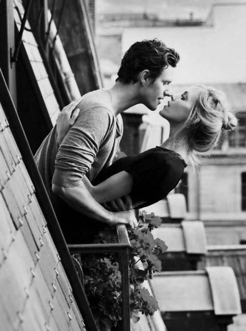 « Et si c'était ça le bonheur? Pas même un rêve, pas même une promesse, juste l'instant. »