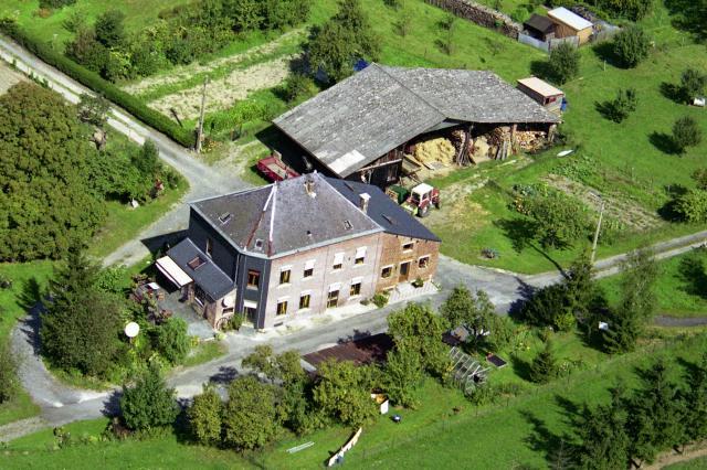 Gîte à louer (2 épis) situé à Dion (Beauraing) - Gite te huur gelegen te Dion (Beauraing)
