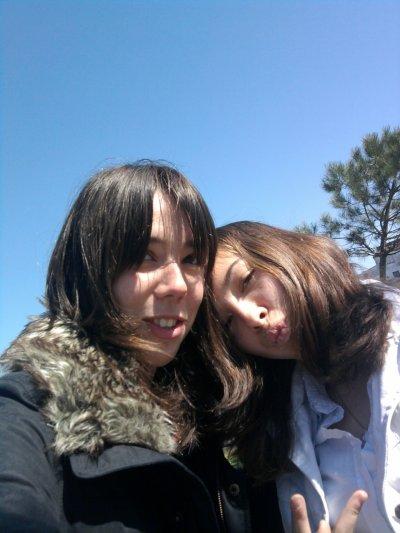 Vanessa Ma cousine de parapluie :) & moi <3