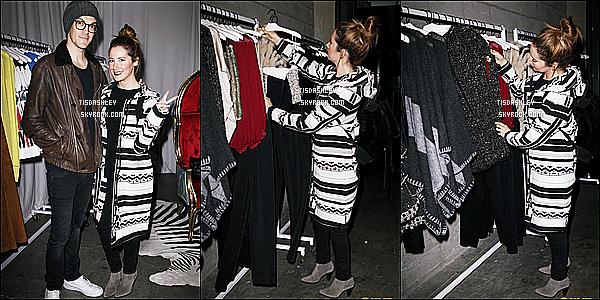 * 15/12/15 : Ashley était présente avec Christopher lors des « Staples Center », qui avait lieu dans Los Angeles. Très peu de photos sont disponibles, ce qui est dommage. Ashley est ravissante avec son mari. J'aime beaucoup la tenue qu'elle porte, c'est un Top  *