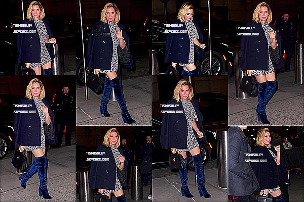 * 07/12/18 :    Ashley a été aperçue alors qu'elle se rendait au « Madison Square Garden », qui se trouve à New York. Ashley est très belle et souriante, ça fait plaisir de la voir comme ça. J'aime beaucoup la tenue qu'elle porte, le bleu marine lui va bien - Un Top pour moi.  *