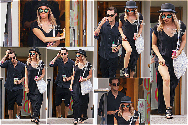 * 28/06/15 : Ashley T. et Christopher ont été repérés quittant le magasin « Free People » situé dans Studio City. Ashley est ravissante. J'aime beaucoup sa robe noire, tout est joli dans sa tenue. Le chapeau et les lunettes de soleil lui vont bien. Un Top pour moi.  *