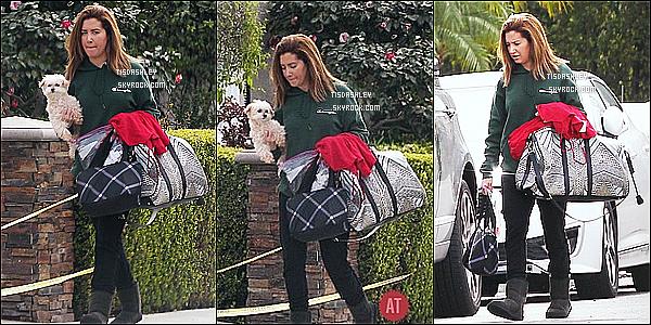 * 18/02/17 : Ashley a été repérée alors qu'elle quittait sa maison avec son mari Christopher - situé à Studio City. Dommage qu'il y ait seulement trois photos disponibles. Sinon Ashleyest jolie. Elle porte une tenue assez simple mais que j'aime bien. C'est un Top  *