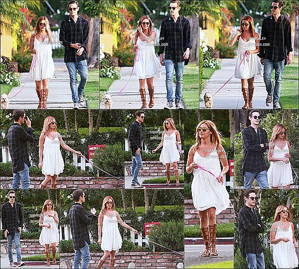 * 02/08/15 : Ashley  et son mari Christopher ont été aperçus se promenant avec leur chien Maui à Beverly Hills. Ashley est très jolie et souriante sur certaines photos. J'aime beaucoup la robe blanche qu'elle porte, elle lui va vraiment à merveille. Top pour moi.  *