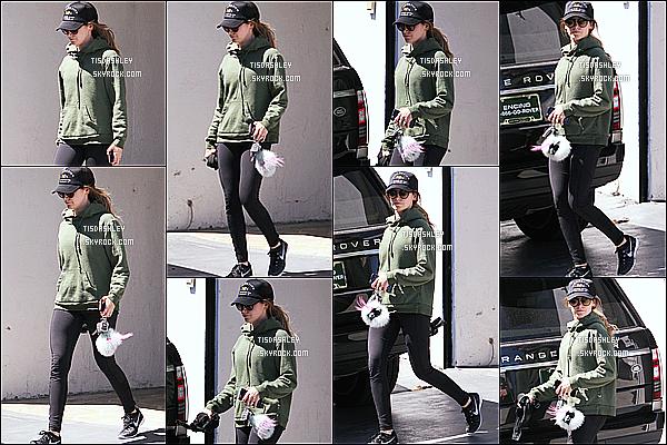 * 31/03/16 : Ashley a été aperçue lorsqu'elle quittait la salle de sport « Rise Movement » - dans West Hollywood. Ashley est superbe mais pas trop souriante, c'est dommage. Elle porte une tenue de sport simple mais que j'aime bien. C'est donc un Top pour moi.  *