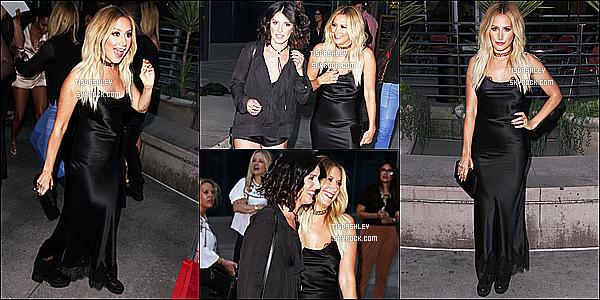 * 25/07/16 : Ashley T. a assisté à l'avant-première du film « Amateur Night » qui se déroulait dans Hollywood. Ashley est vraiment splendide. Je suis fan de sa coiffure et de son maquillage. La robe noire qu'elle porte est très jolie, à part les chaussures. Un Top  *