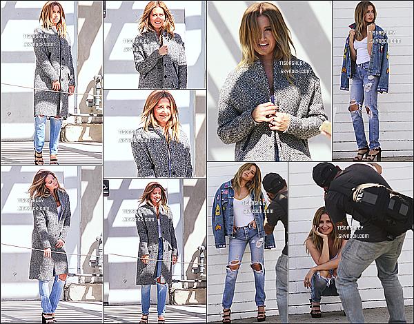 * 01/09/16 : Ashley a été vue quand elle était sur le tournage dans photoshoot dans les rues de West Hollywood. Ashley était toute jolie. J'aime beaucoup la tenue qu'elle porte, ainsi que la veste. En tout cas j'ai hâte de voir ce que ce photoshoot va donner. Top  *