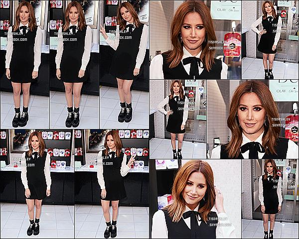 * 16/02/17 : Ashley était présente à l'événement de lancement pour un nouveau produit, de la marque « OLAY ». Ashley est vraiment magnifique. Comme je l'ai déjà dit, je suis complétement fan de sa tenue. J'aime bien aussi sa coiffure et son maquillage, Top.  *