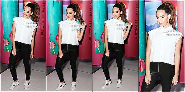 * 12/12/17 :    Ashley a assisté au lancement de la collection Sephora « #Lipstories » - qui avait lieu dans Los Angeles. Dommage qu'il n'y ait pas plus de photos disponibles. Ashley est ravissante. Ca change de la voir avec les cheveux attachés. Sa tenue est jolie - Un Top.  *