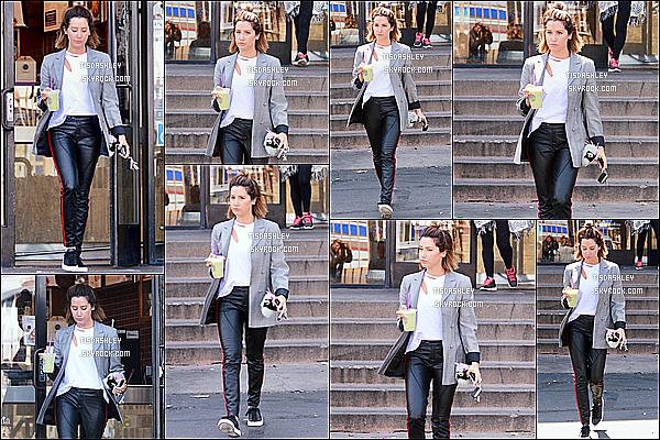 * 31/05/18 :    Ashley T. a été aperçue lorsqu'elle quittait le « Coffee Bean & Tea Leaf » - se trouvant dans Los Angeles. Ashley est toute belle. J'aime bien sa coiffure. La tenue qu'elle porte est très jolie je trouve, ce style lui va vraiment bien. J'aime ses chaussures aussi. Top  *