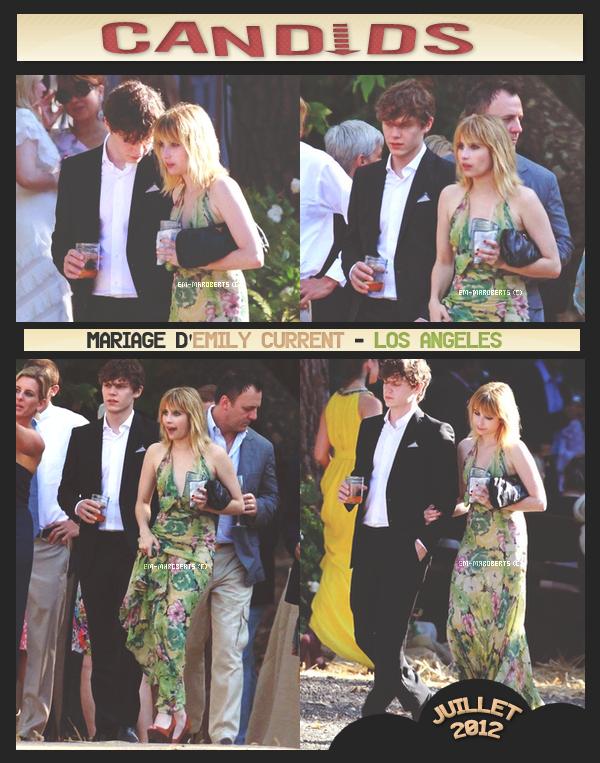 .  Le 14 Juillet Emma était à Los Angeles, au mariage d'Emily Current, accompagnée de l'acteur Evan Peters, qui fait partit du cast d'Adult World (tout comme Emma). Ils ont l'air très proche tout les deux...  Miss Roberts portait une longue robe à fleurs et des talons rouges. Je n'aime pas du tout sa tenue.    .