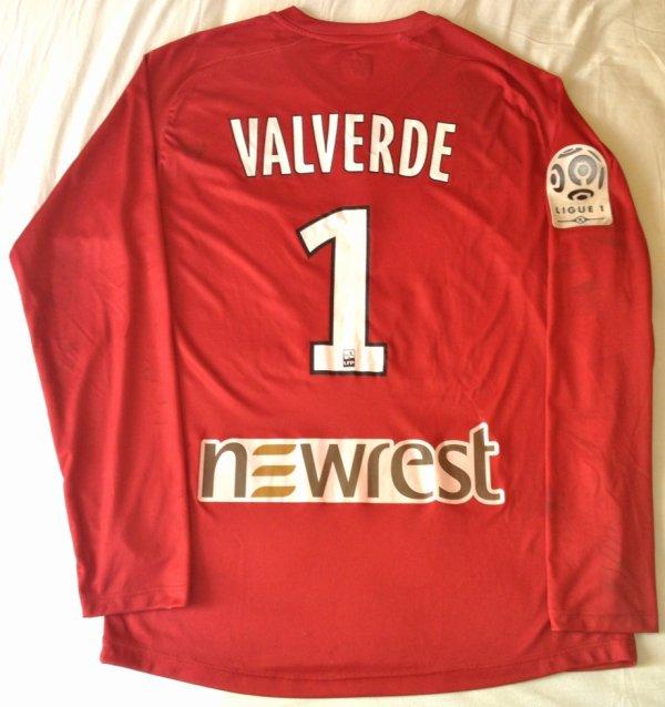Maillot de Toulouse porté par Matthieu Valverde au cours de la rencontre Toulouse-Marseille comptant pour la 14ème journée de Ligue 1 2010-2011 (20 novembre 2010)