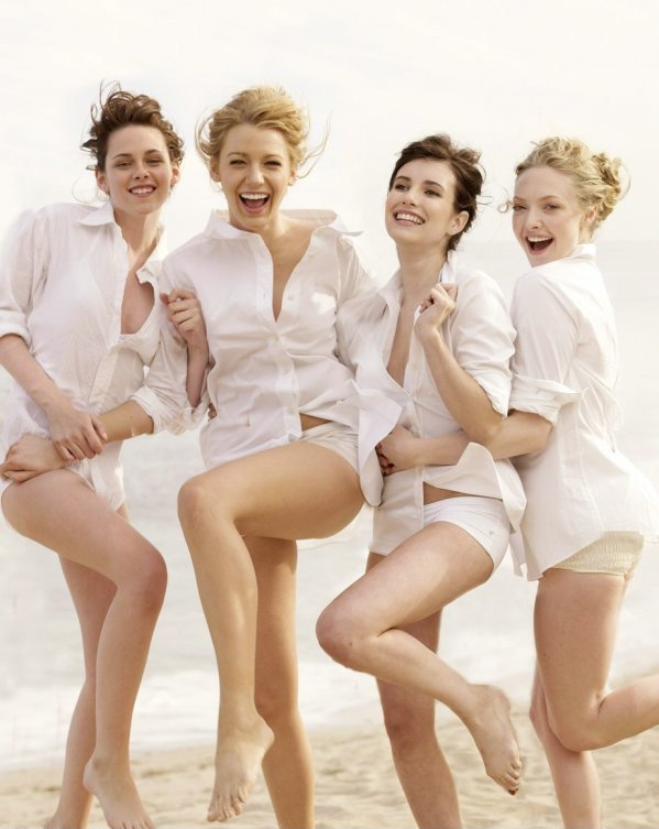 Kirsten Stewart, Blake Lively, Emma Roberts & Amanda Seyfried