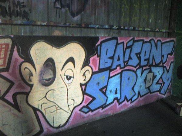 BAiSE SARK0 & L'ETA & NiKE LES KEUFS !