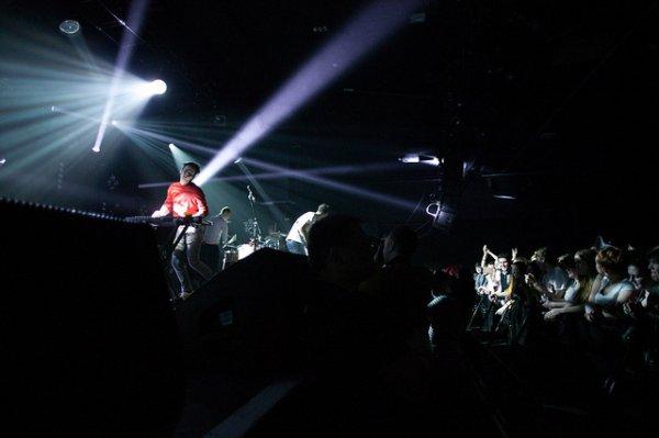 25.04.2012 - Live à la Manchester Academy. petite anecdote: la créatrice est partie une semaine à Manchester le mois dernier et un peu plus elle les voyaient.
