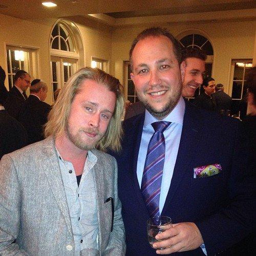 Macaulay à un événement.