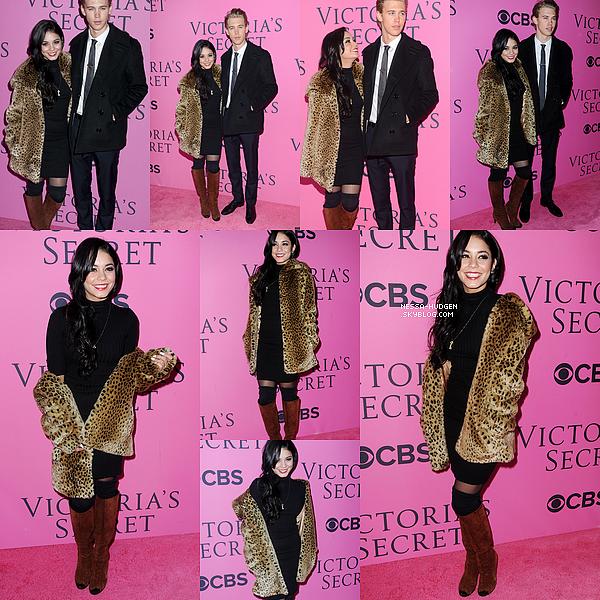 -  07.11.2012 : Vanessa était au Victoria Secret Fashion Show de à New York avec Austin Bulter. Côté look : J'aime bien la tenue de Vanessa, en revanche je n'aime pas du tout son manteau de fourrure & botte. TOP ! -