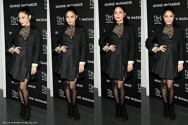 -  17.12.2012 : Vanessa était présente à l'évènement de la mode de la fête charité à New York. Côté look : Je suis totalement fan de sa tenue. Ses collants sont magnifique et son maquillage aussi ! Juste parfait.TOP ! -