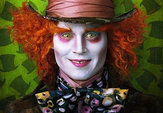 Johnny Depp dans Alice au pays des merveilles 2