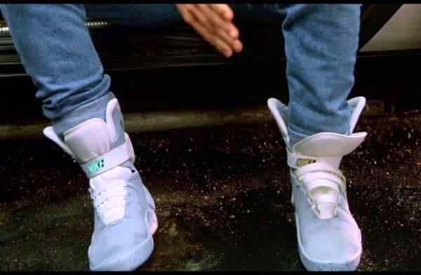 Les chaussures qui se lassent toutes seules de Retour Vers le futur 2 existeront vraiment !