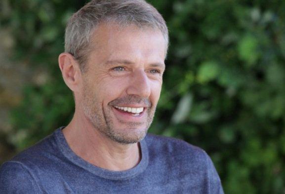 Lambert Wilson en maître de Cérémonie à Cannes 2014