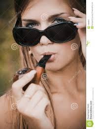 aujourd hui st claude journée de la pipe profitez en les filles