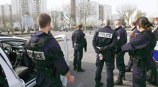 SEVRAN 93 BEAUDOTTES GHETTO 2 FRANCE # Commissariat De Clichy Sous Bois