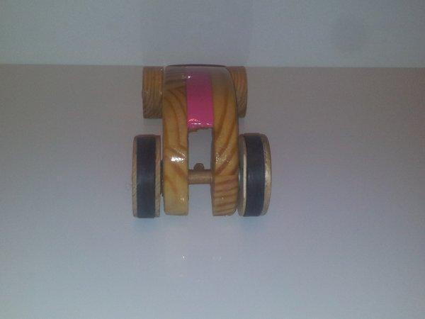 voiture a propulsion élastique pour noël fait maison  pour zoé