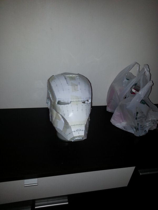 casque iron man echelle 1/1 (papercrafts en cours) suite