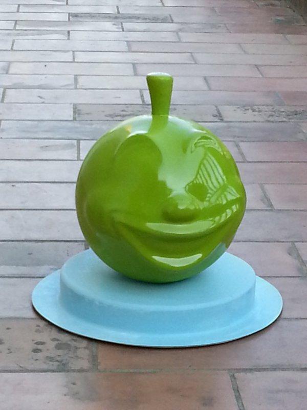 Pomme jet d'eau-jeux aquatique et sont support