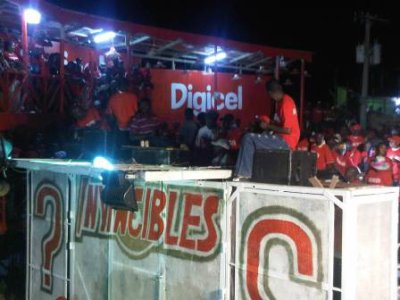 Jacmel – Carnaval : Les Invincibles expriment leurs frustrations dans le défilé