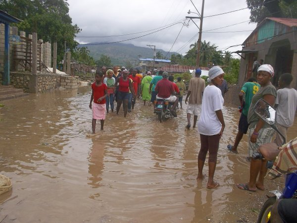 Jacmel – Tempête Isaac : Le bas de la Ville inondé