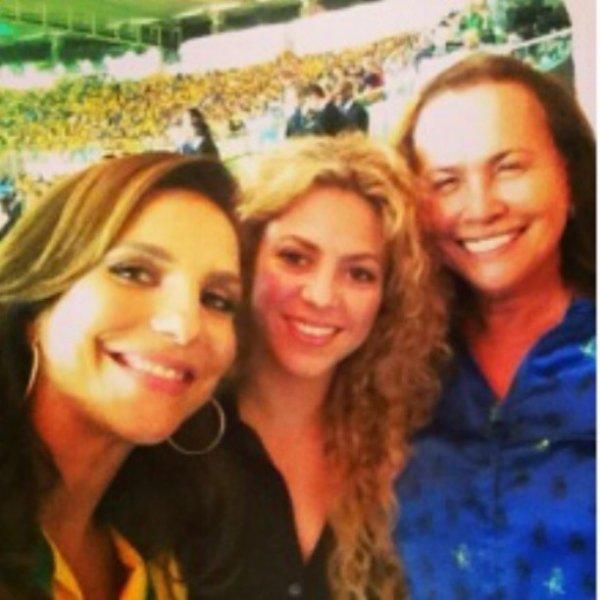 Shakira et Ivete Sangalo lors du mach