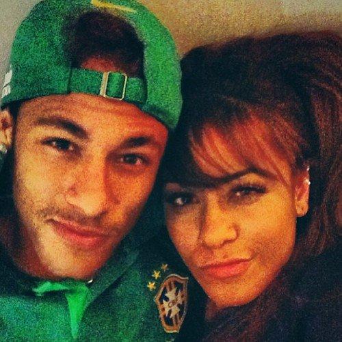 Neymar et sa soeur Rfaella le 06 - 09