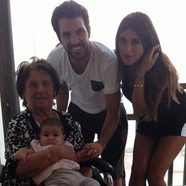 Cesc Fabregas sa grand mére, Daniella Semaan et Lia le 12 - 09