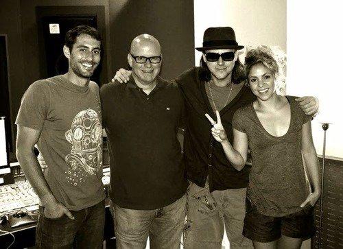 Shakira au studio le 04 - 10