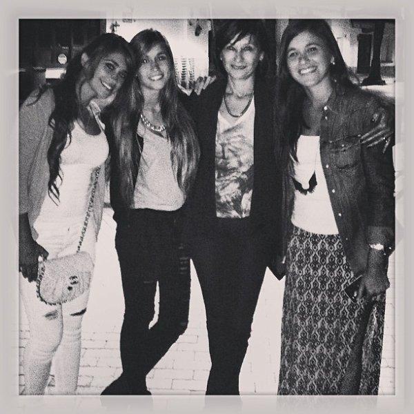 Antonella, Paula, Carla Roccuzzo et leurs maman Patricia le 20 - 10